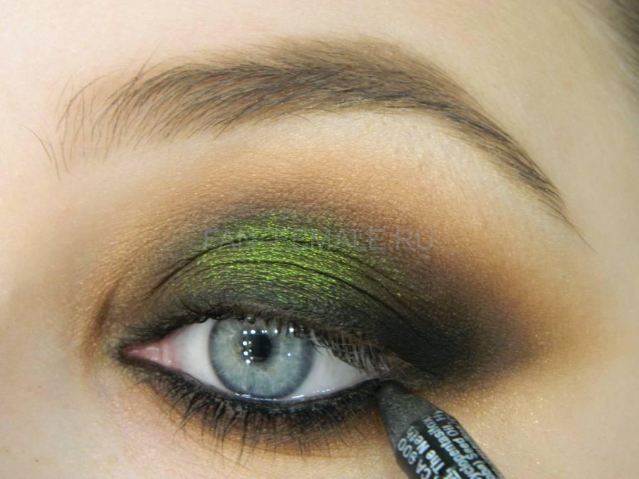 Выполнение зеленого смоки для светлых глаз шаг 16