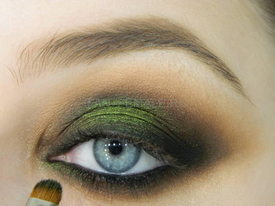 Выполнение зеленого смоки для светлых глаз шаг 17