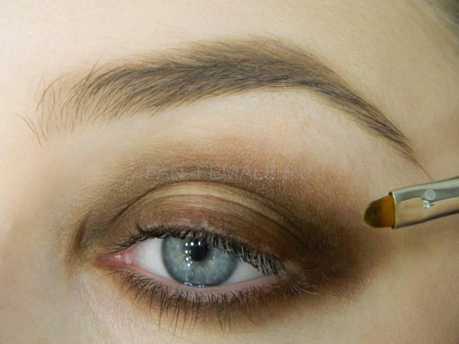 Выполнение зеленого смоки для светлых глаз шаг 6