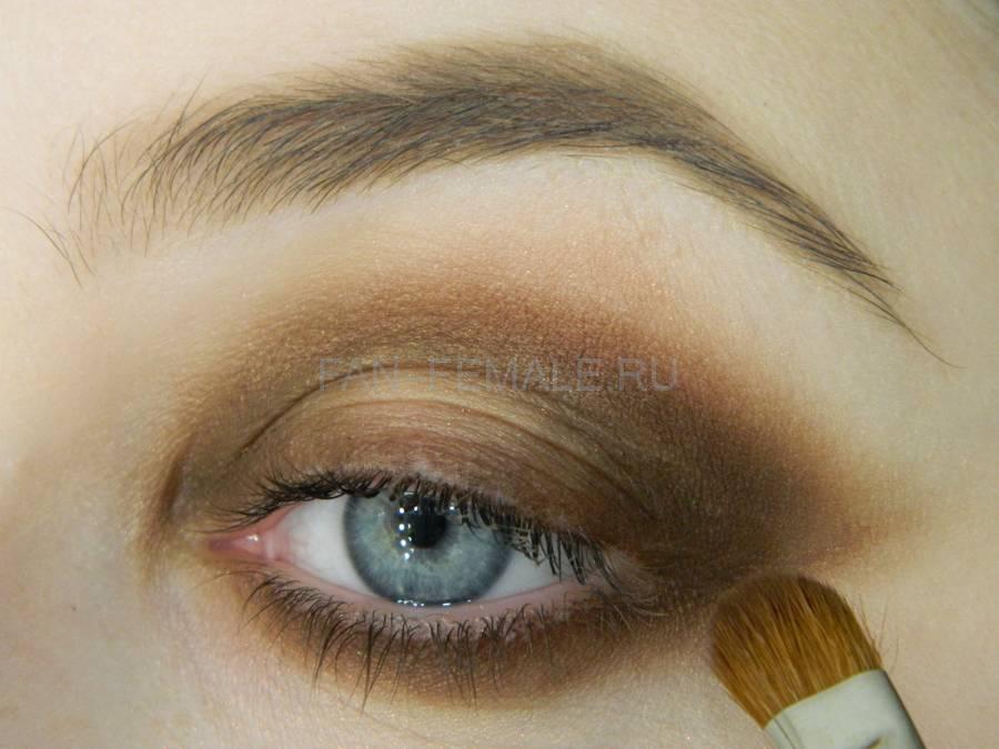 Выполнение зеленого смоки для светлых глаз шаг 8
