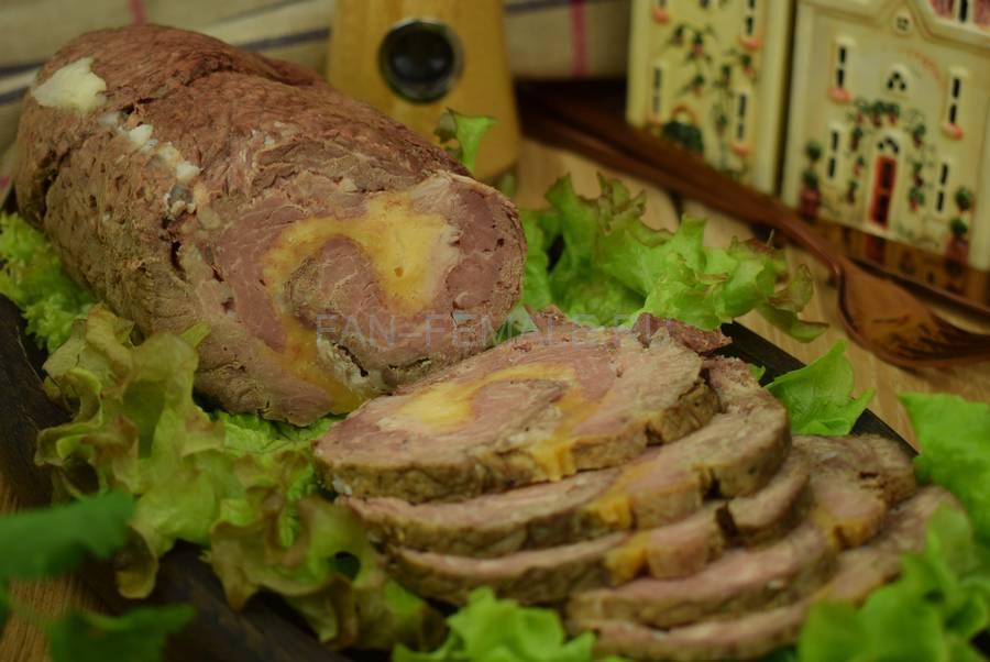 Рулет из говядины, свинины, с сыром