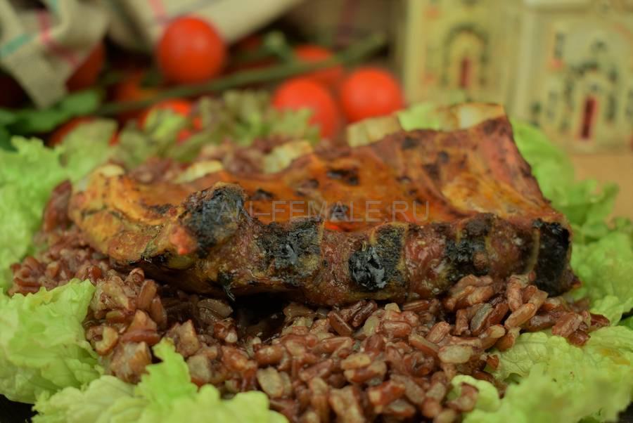 Свиные ребра с красным рисом