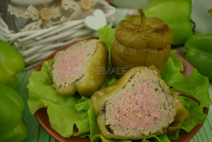 Перцы, фаршированные свининой с кускусом