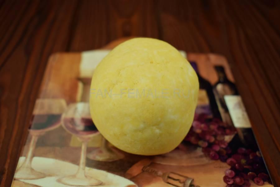 Приготовление грибочков из черри и сыра, шаг 3