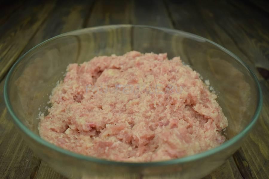 Приготовление куриных котлет со сливочным маслом, шаг 4