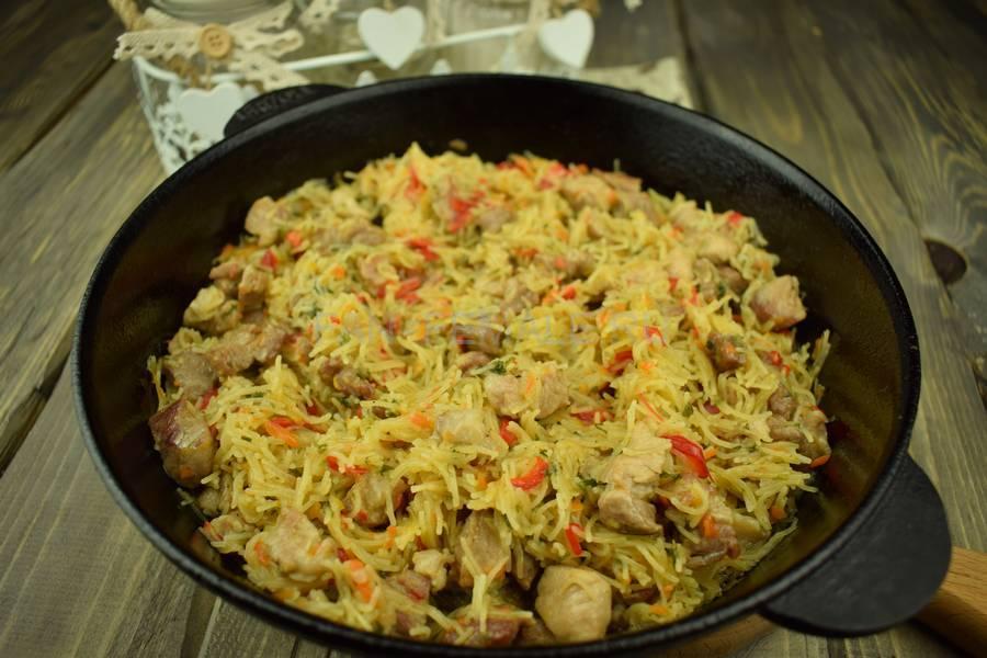 Приготовление тонкой вермишели с овощами и свининой, шаг 11