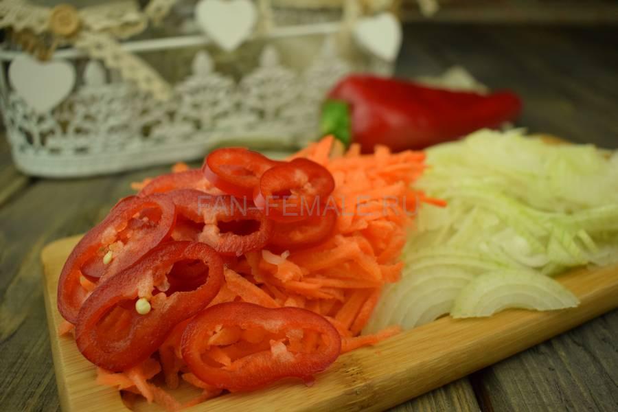 Приготовление тонкой вермишели с овощами и свининой, шаг 5