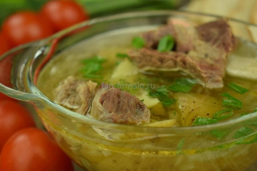 Картофельный суп на говяжьих ребрах