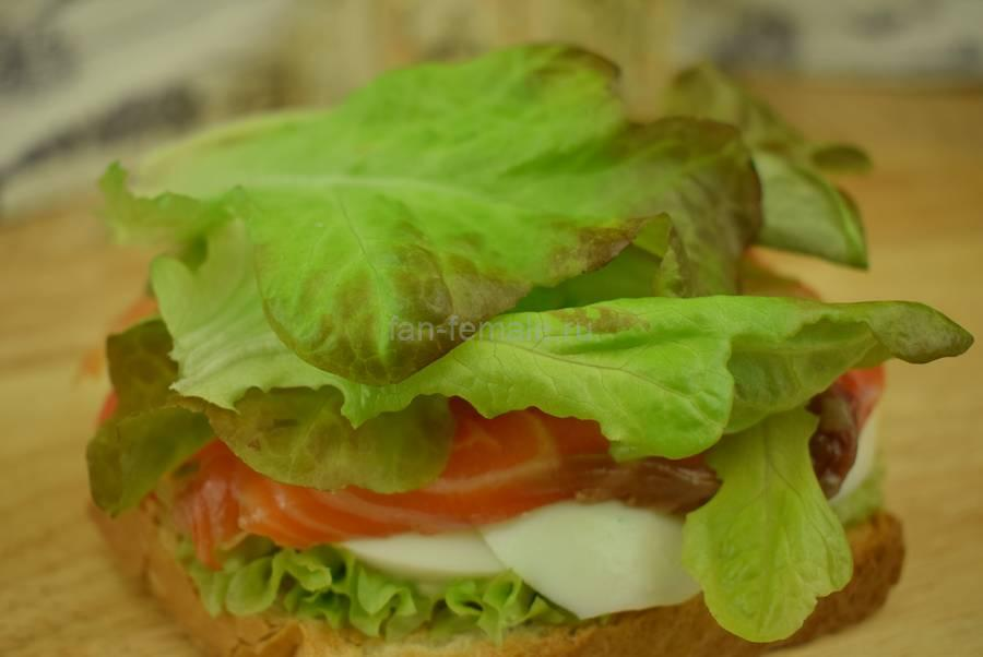 Приготовление сэндвичей с семгой, яйцом, салатом, майонезом, шаг 5