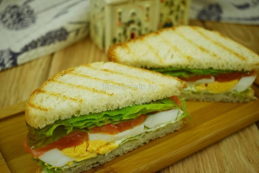 Сэндвичи с семгой, яйцом, салатом, майонезом