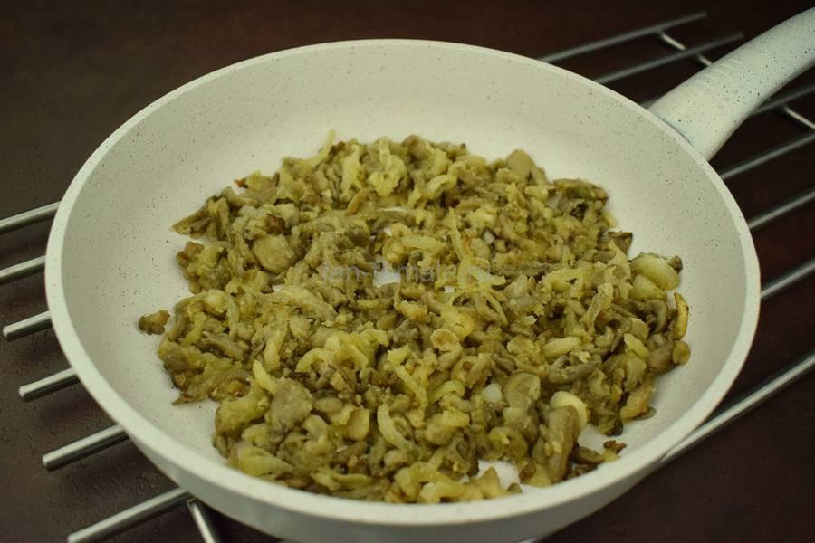 Приготовление в духовке вешенок в сливочном соусе под сыром, шаг 4