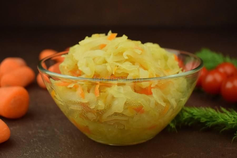 Тушеная капуста с луком и морковью