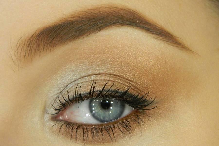 Дневной макияж для серых глаз
