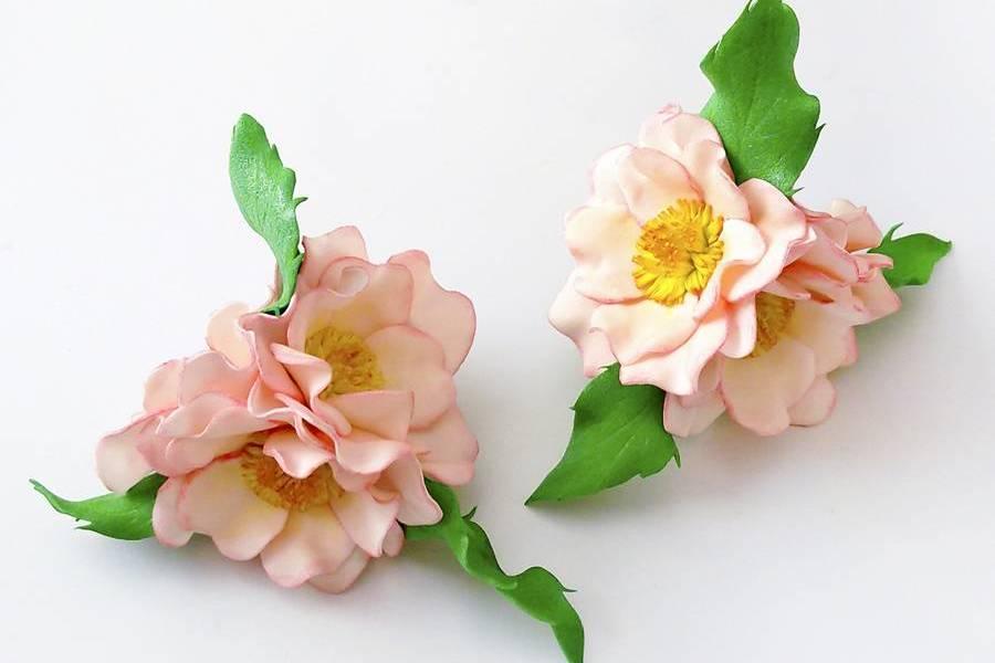 Резинки для волос с цветками шиповника