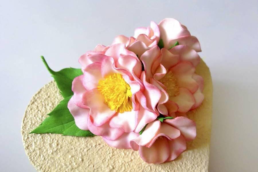Шкатулка с цветами шиповника из фоамирана
