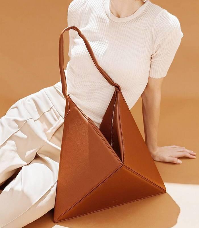 Треугольная сумка Mlouye