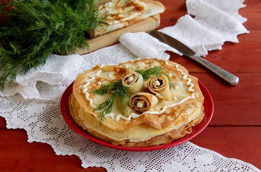 Блинный пирог с мясом и рисом