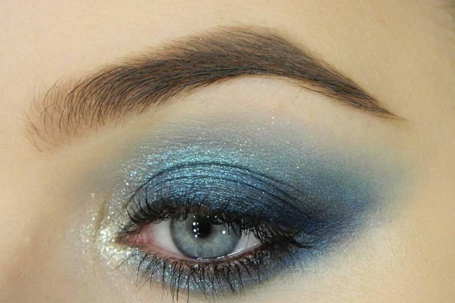 Новогодний ледяной макияж глаз