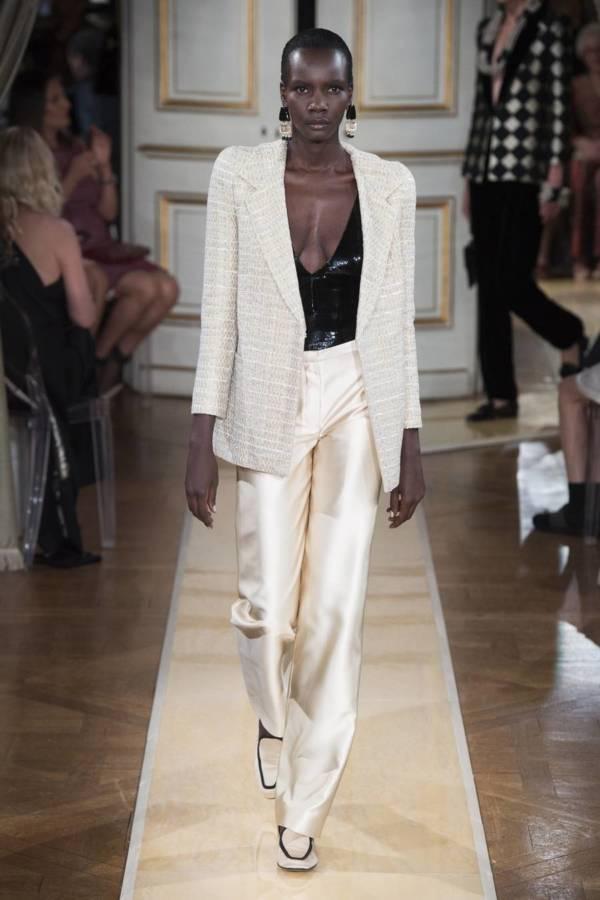 Коллекция Armani Prive осень-зима 2018–2019 на Неделе высокой моды в Париже выход 2