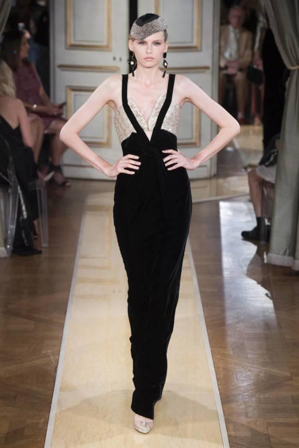 Коллекция Armani Prive осень-зима 2018–2019 на Неделе высокой моды в Париже выход 32