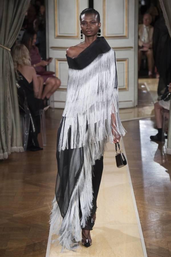 Коллекция Armani Prive осень-зима 2018–2019 на Неделе высокой моды в Париже выход 40
