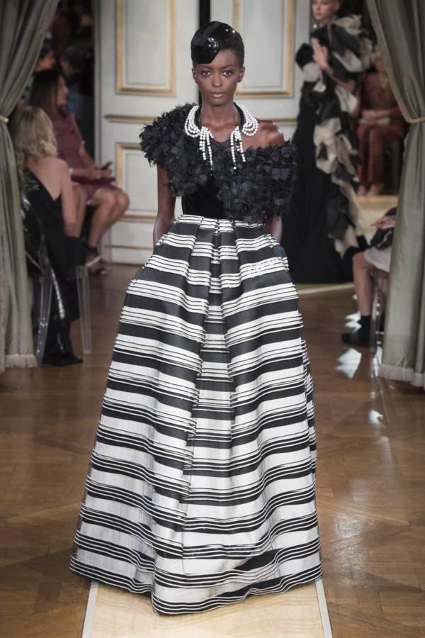Коллекция Armani Prive осень-зима 2018–2019 на Неделе высокой моды в Париже выход 43