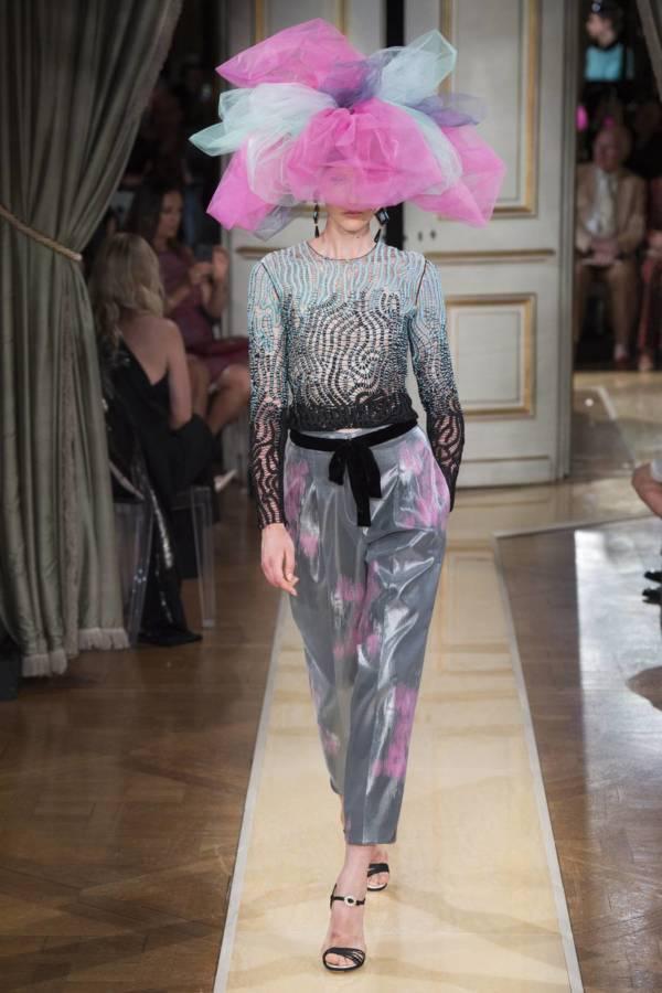 Коллекция Armani Prive осень-зима 2018–2019 на Неделе высокой моды в Париже выход 56