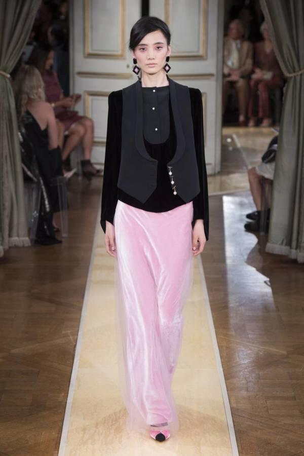Коллекция Armani Prive осень-зима 2018–2019 на Неделе высокой моды в Париже выход 70