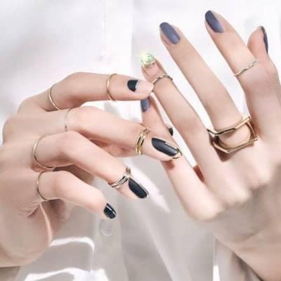 Кольца Unistella на ногтях